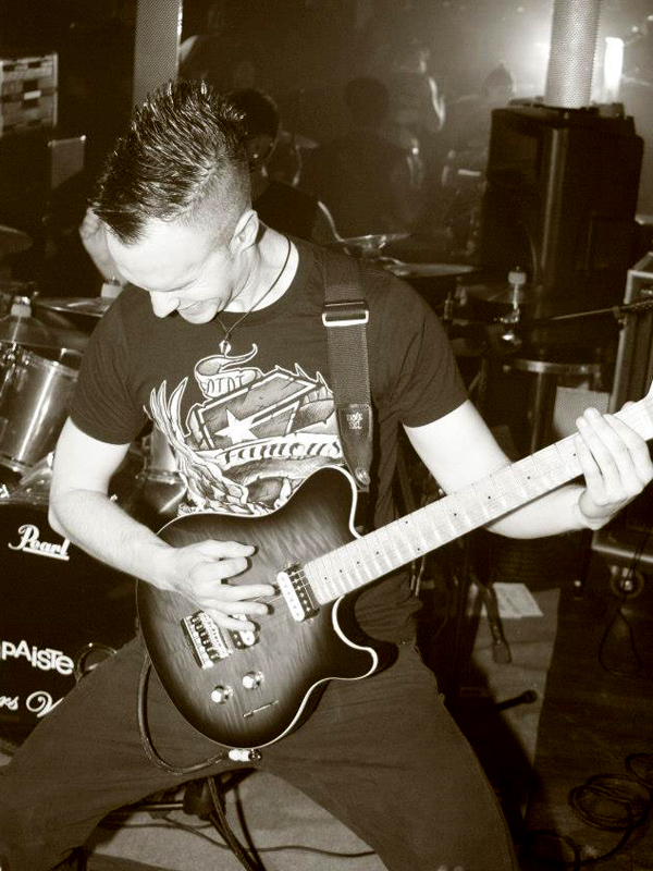 Dan-Baker-live-6