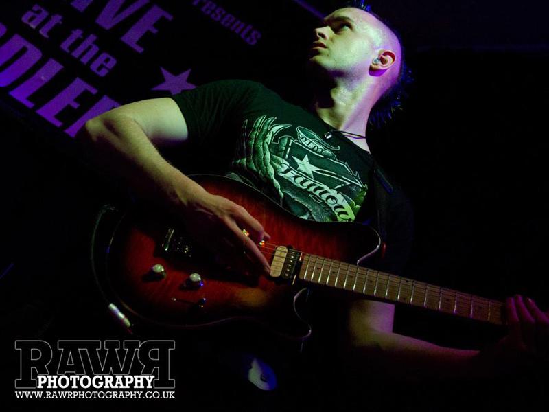 Dan-Baker-live-8
